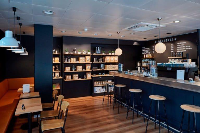 sitzbereich und kaffeebar der rösterei am bubenbergplatz